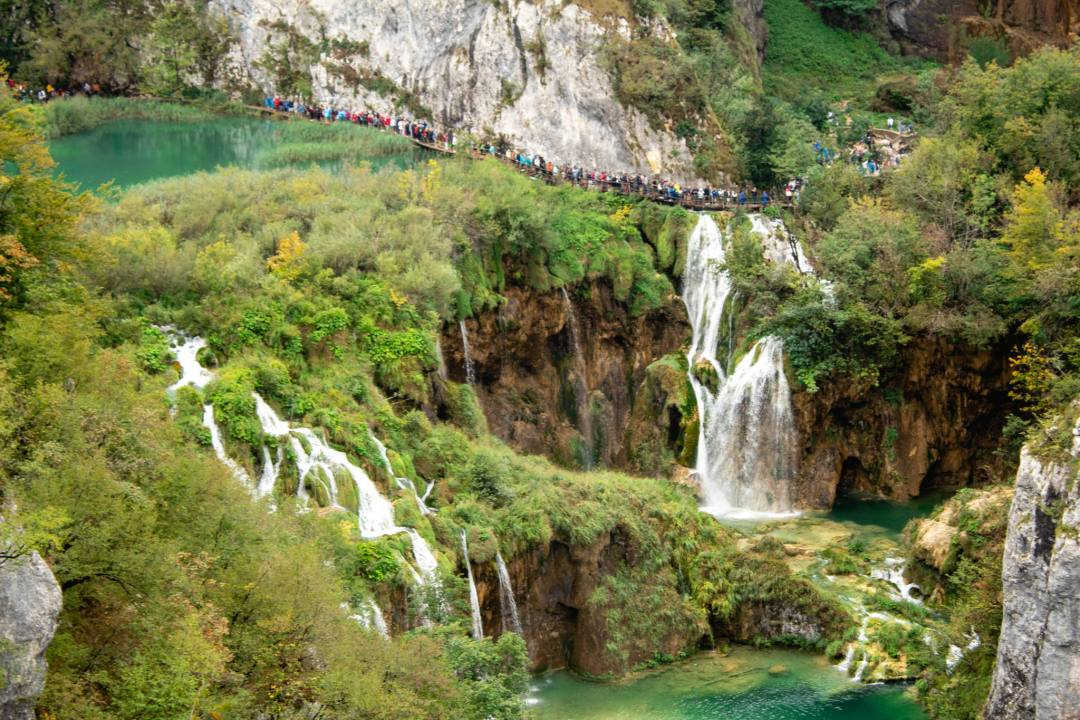 people queuing at plitvice lakes national park