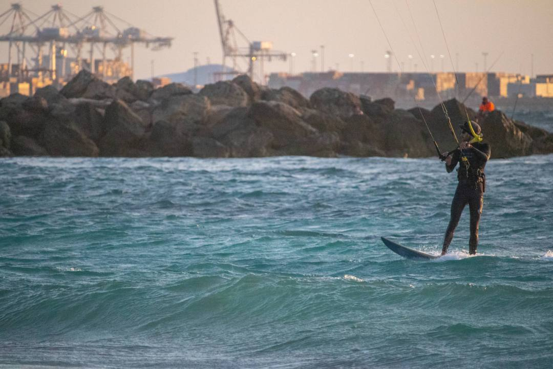 kite surfer at sunset in perth