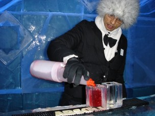 wedding-in-ice-bar-11