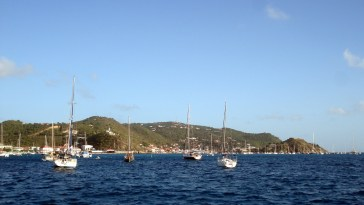 A lot of boats and a long dinghy ride in