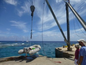 Dingy Lift – You pull your dinghy or medium boat out of the water by crane