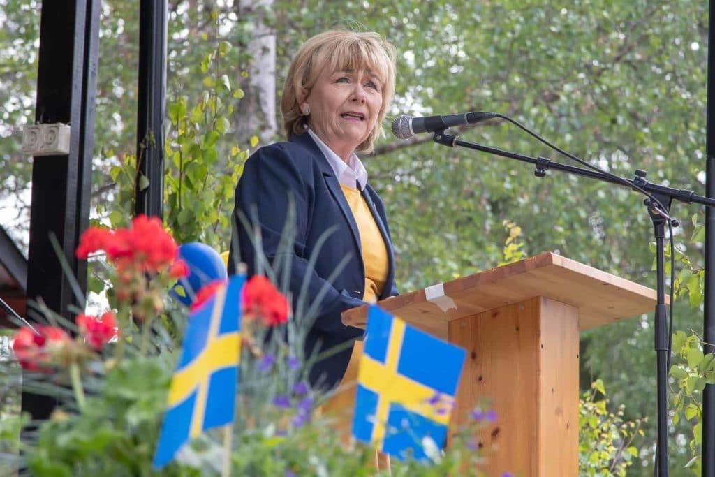 Beatrice Ask talade på välbesökt nationaldagsfirande på Gammelgården i Sveg. Foto: Morgan Grip
