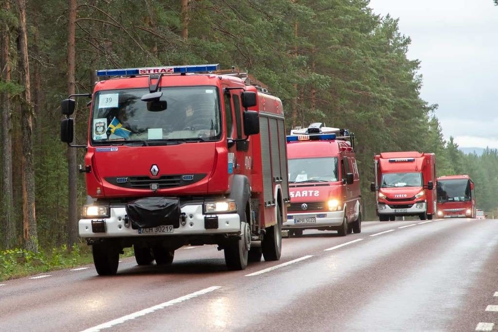 Tidigt på lördagsmorgonen lämnade den polska brandstyrkan Sveg. Foto: Morgan Grip