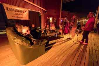 Levande jukebox på stora scenen. Foto: Morgan Grip
