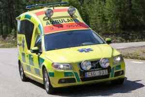 Bil med husvagn voltade på E45 utanför Sveg