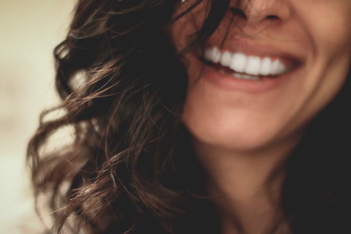 Estetiška šypsena ir regos korekcijos kiek kainuoja reprezentatyvi išvaizda
