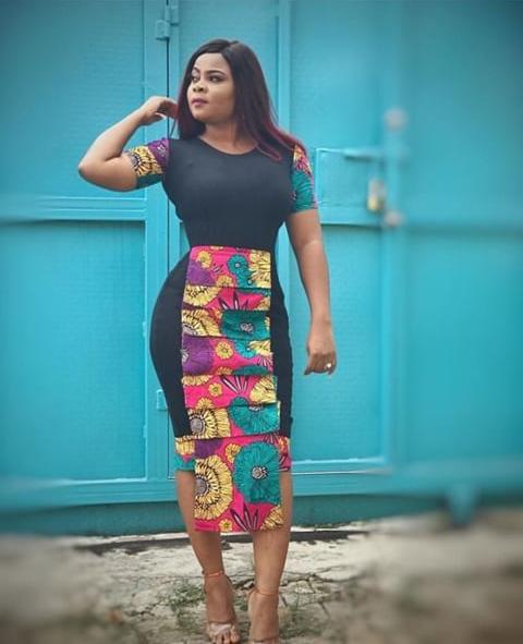 woman rocking the Latest Ankara Styles