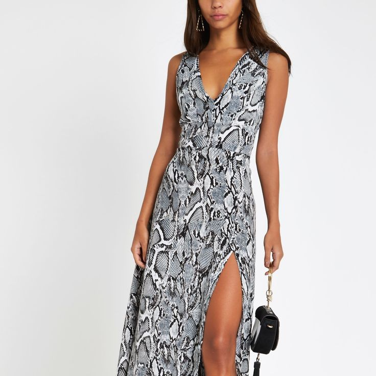 Animal Prints - Fashion Trends that were Popular in the 2010s