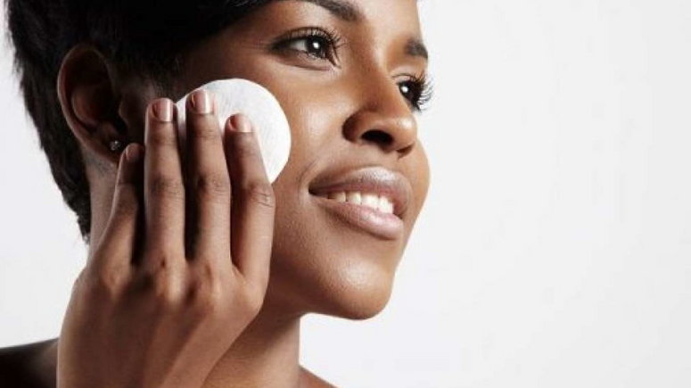 causes of oily nose include wrong use of skin care products