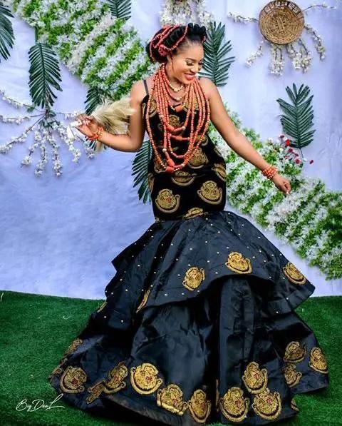 lady in isi agu long dress
