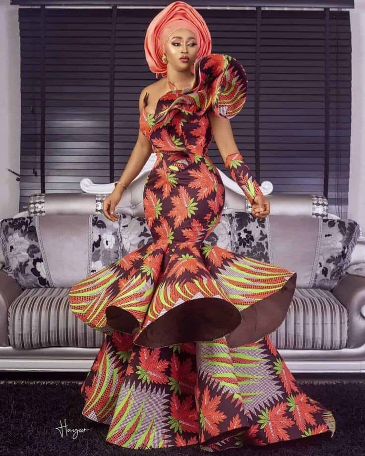 lady in a statement long ankara gown