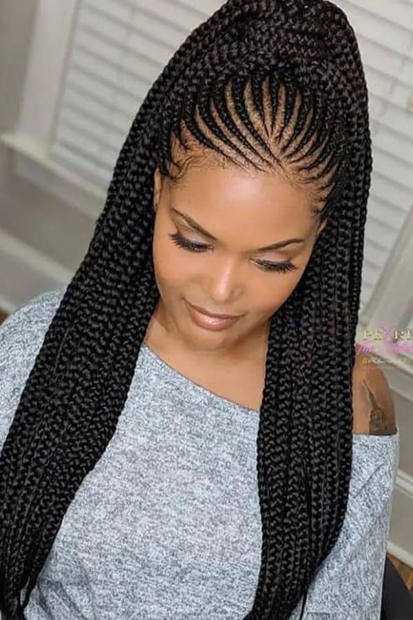 lady wearing Ghana braids