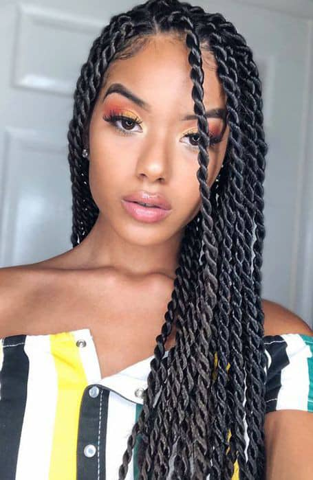 beautiful lady on long Senegalese twists