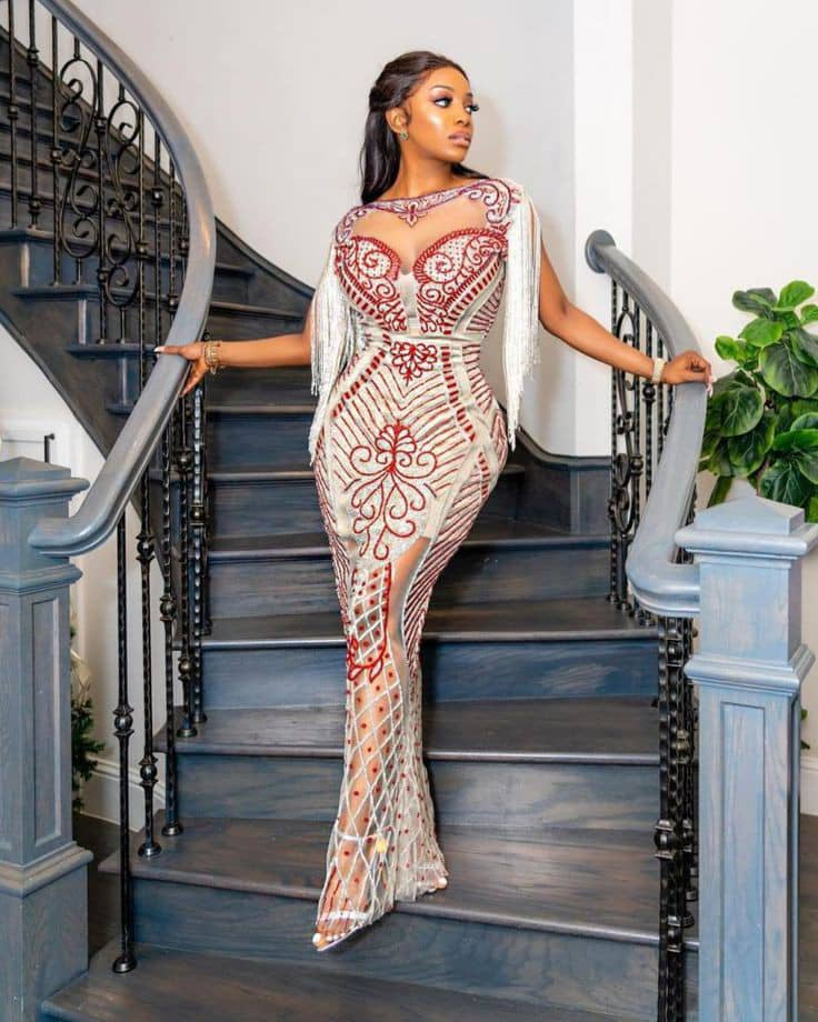 lady in an esquisite owambe dress