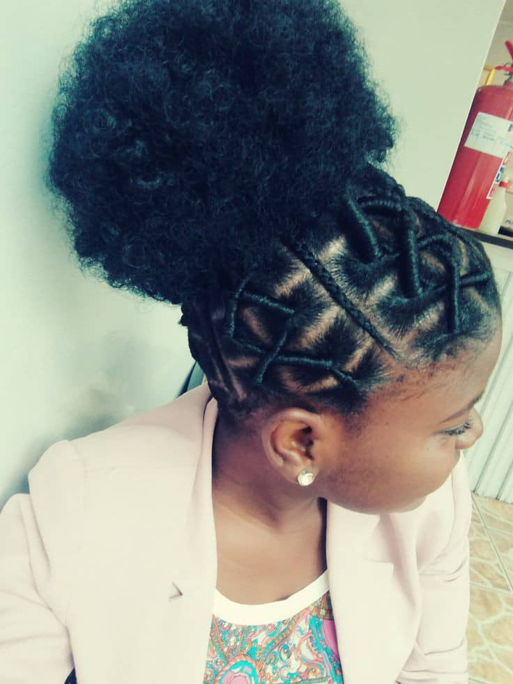 lady wearing African thread hair