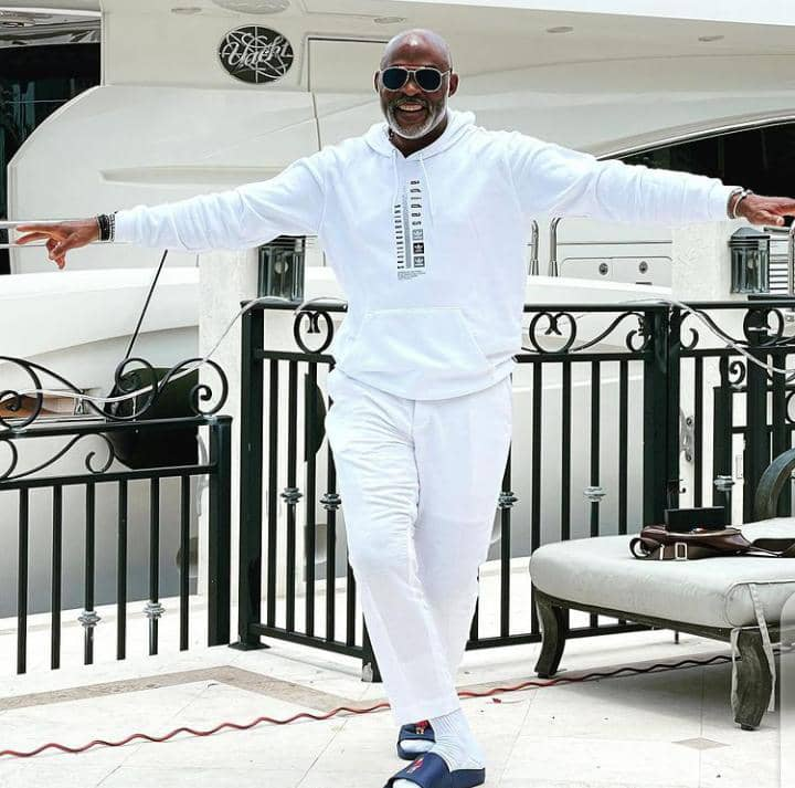 RMD feeing free in all white casual outfit