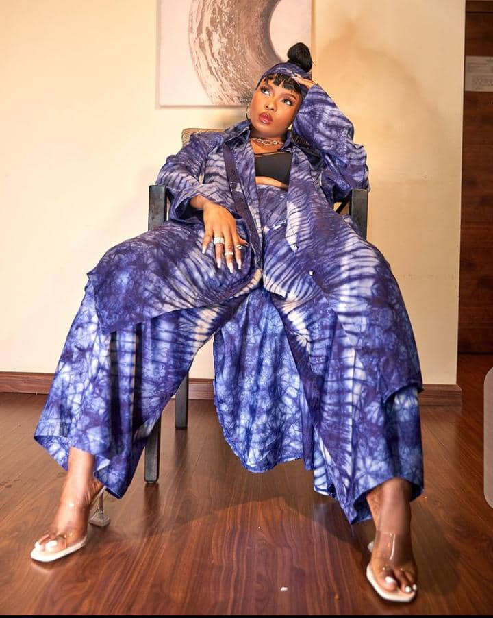 Yemi Alade wearing adire print outfit
