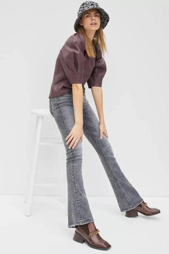 lady wearing bootcut jeans