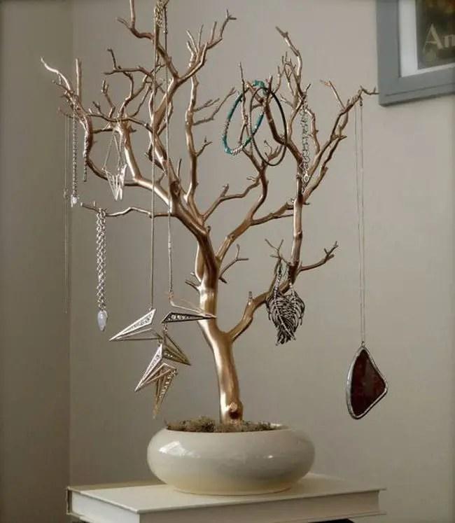 jewelry tree with jewel hanging