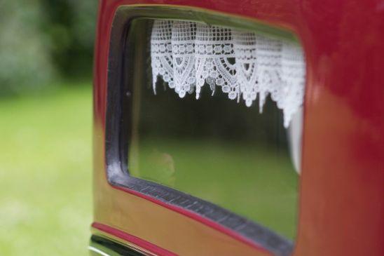 Oldtimer Gardine im Heckfenster