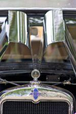 Chevrolet Kühler und geöffnete seitliche Motorabdeckungen