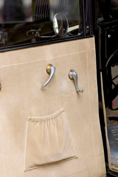 Oltimer Tür-Innenverkleidung aus sandfarbenem Samt