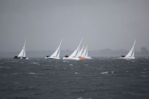 Nordisches Folkeboot auf der Ostsee vor Laboe