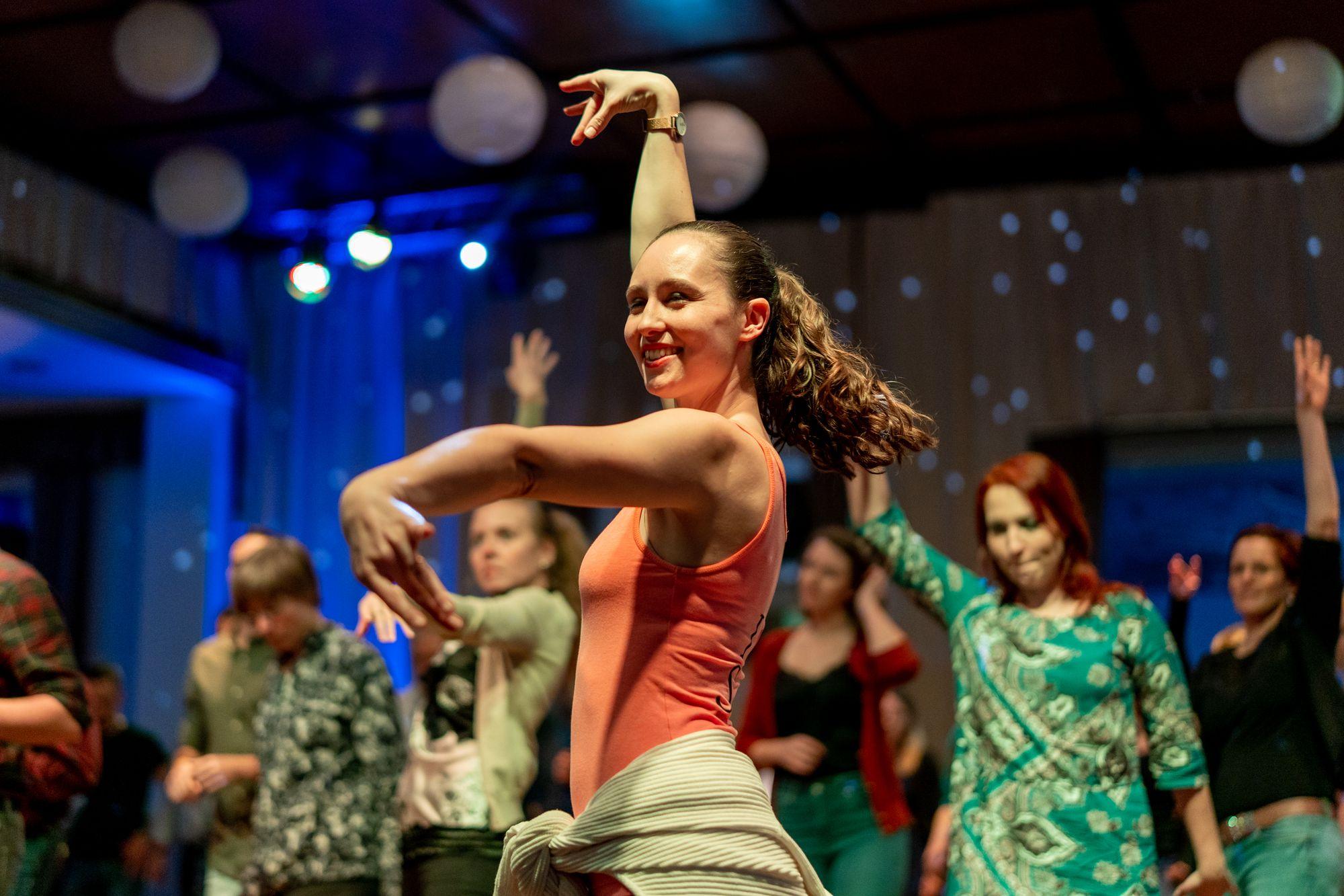 Salsa-Tanzunterricht von Julia Pöschel auf der Salsa Night in den Haas-Sälen Bamberg am 7. März 2020