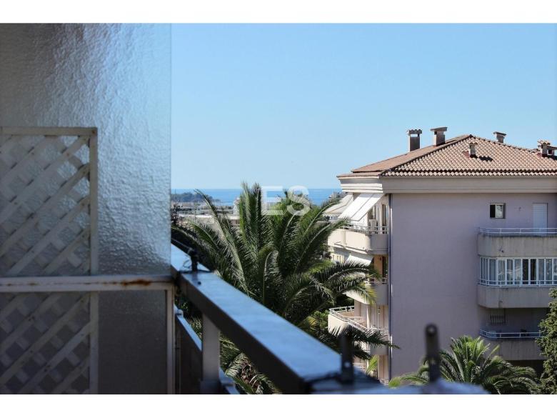 Lägenhet till salu i Cannes Basse Californie Parc Imperal franska rivieran svensk mäklare havsvy köpa