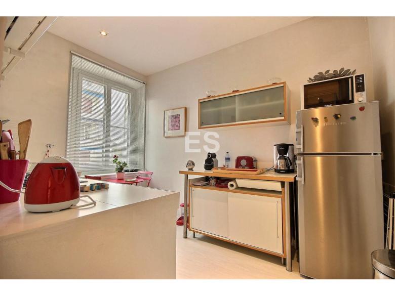 Lägenhet till salu i Canes 87 m² bostad franska rivieran kök