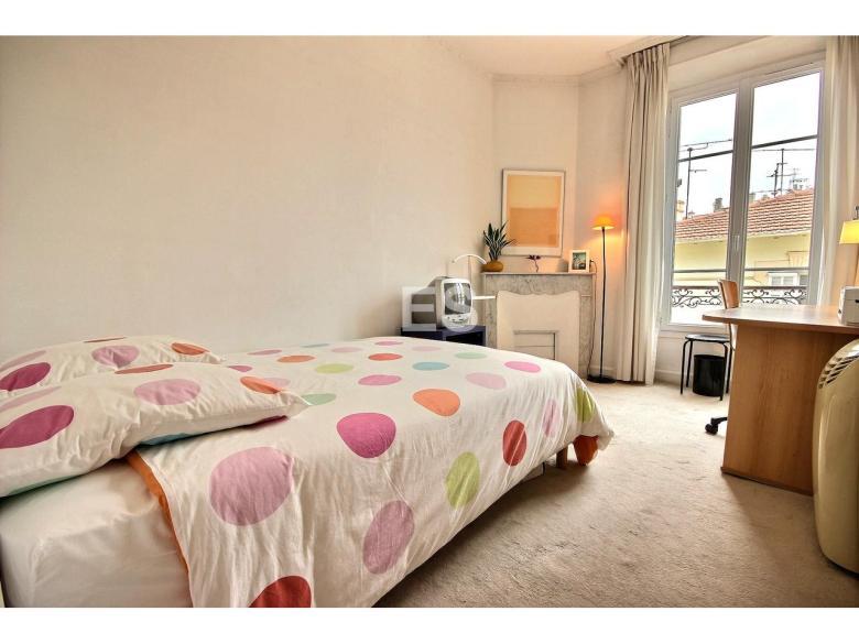 Lägenhet till salu i Canes 87 m² bostad franska rivieran sovrummet