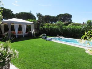 Villa till salu i Mandelieu la Napoule Riviera Golf svensk mäklare franska rivieran pool