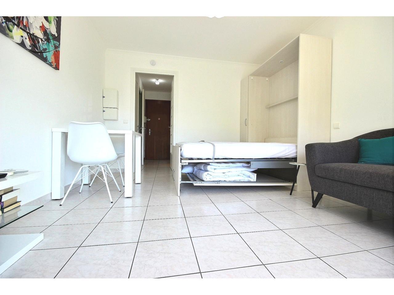 Köpa en lägenhetn i södra frankrike hos en svensk mäklare