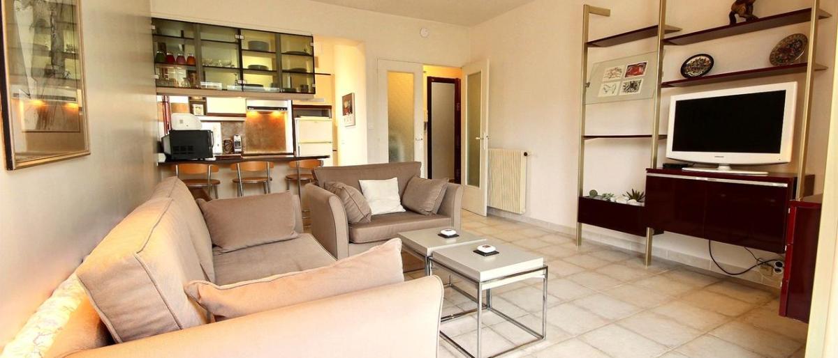 Hyra en lägenhet hos en svensk mäklare i Cannes
