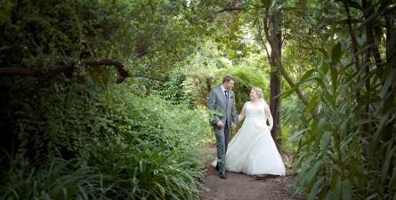 Walking about Adelaide botanic gardens