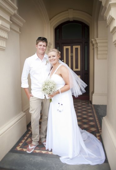 Bride and Groom out the front of Grange Hotel