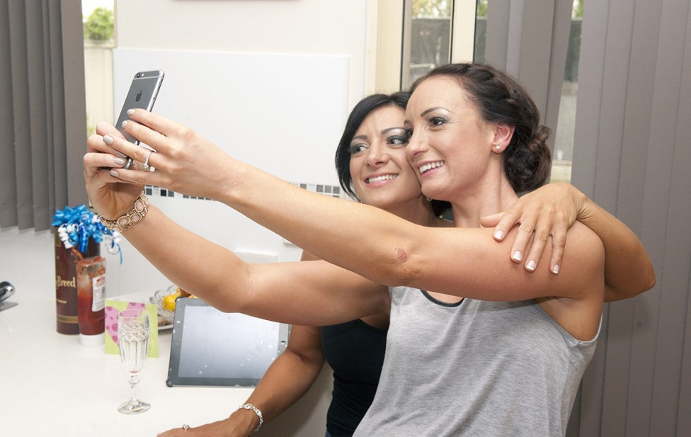bridal party selfy
