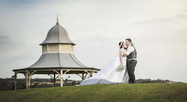 Gawler Barossa Jockey Club Wedding Photo