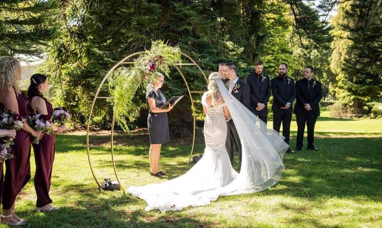 Sweeping veil