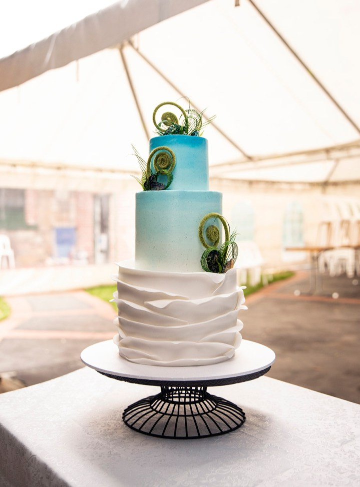 New Zealnad Themed wedding cake