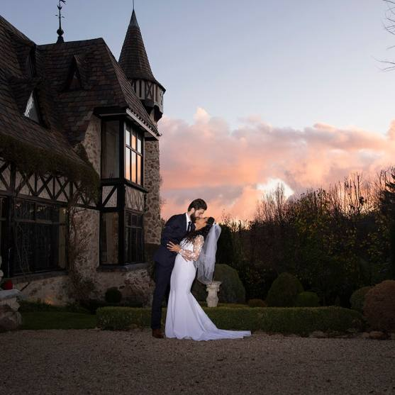 Thorngrove Manor wedding at sunset