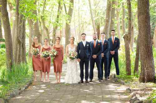 Bridal party at Seppeltsfield Winery