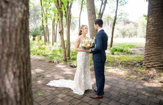 Bride and groom together at Seppeltsfield Winery