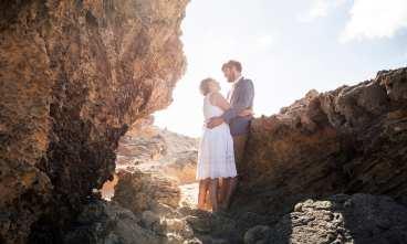bride and groom amongst the pennington bay rocks