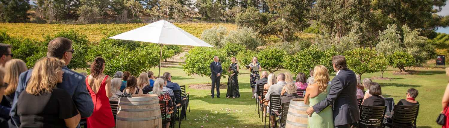 The Currant shed wedding ceremony