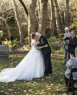 First kiss at Adelaide Hills Inglewood Inn