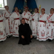 Hrvatsko srce hodočašće u Šumanovce ispred oltara BDM 081-1024