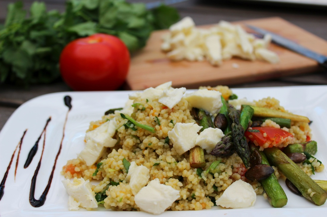 Tabouleh mit gebratenem Spargel und Mozzarella