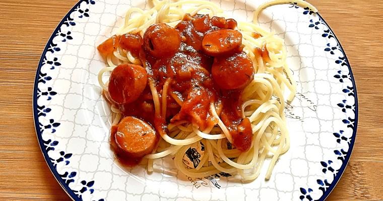 Spaghetti mit leckerer Tomatensauce