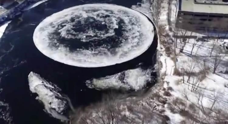 disk na řece